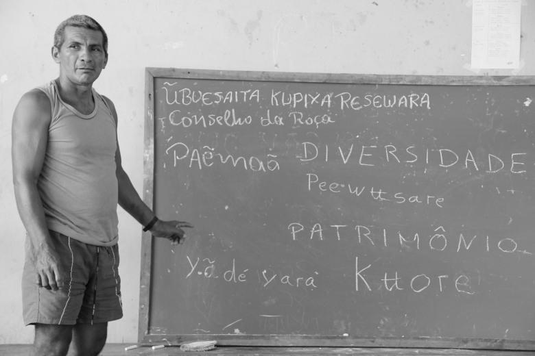 """Professor e liderança Vamberto Plácido da comunidade Cartucho, Médio Rio Negro, contribuiu para chegar ao nome do """"Conselho da Roça"""" na língua Nheengatú. Lorena França - IPHAN"""