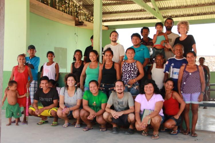 Equipe de viagem a região do médio e baixo rio Negro, em Cartucho. Foto: Lorena França - IPHAN