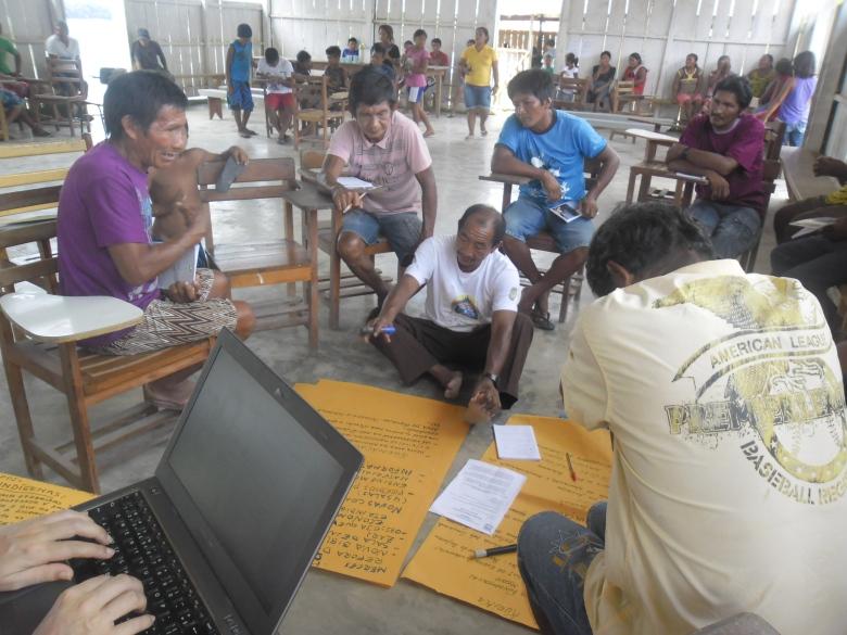 Higino Tuyuka participou como palestrante e colaborador no Seminário de Educação Escolar Indígena, realizado em Itapereira.