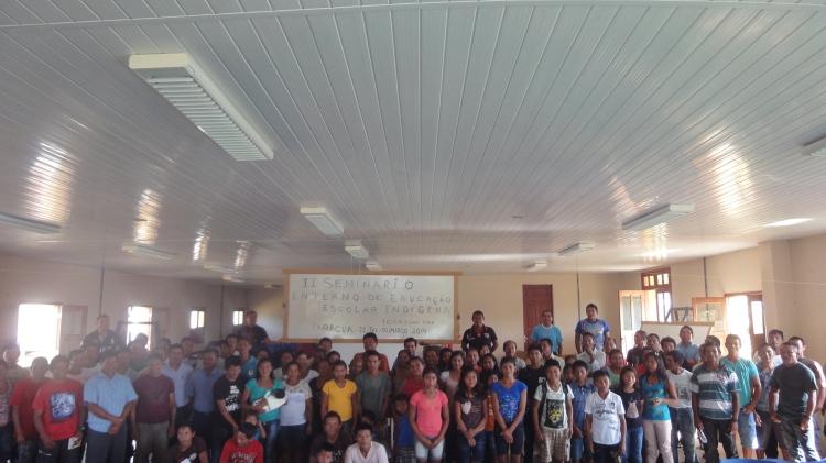 Participantes do II Seminário de Educação Escolar Indígena em Taracúa - Médio Waupés.