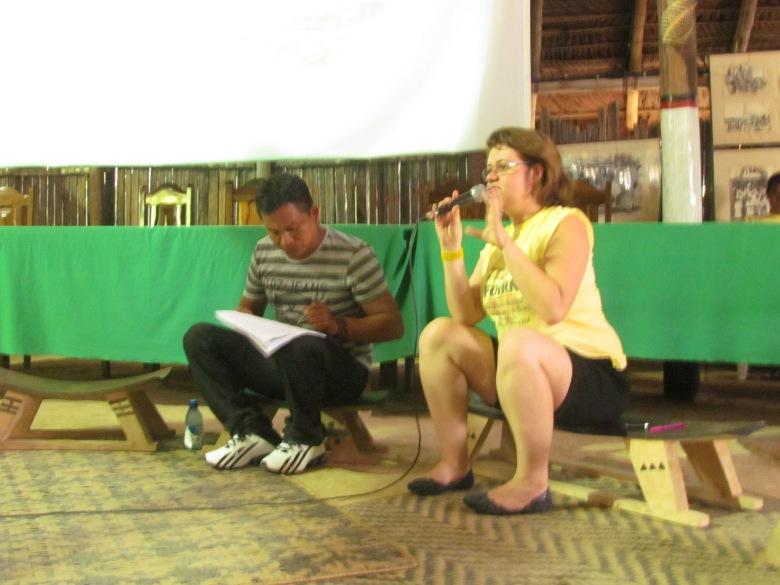 Custódio Benjamim Baniwa e Clarice Cohn falam do Observatório de Educação Escolar Indígena.