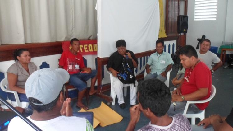 GTs durante a Reunião do Conselho Diretor. Na foto membros da Coordenadoria das Associações Indígenas do Médio e Baixo Rio Negro - CAIMBRN. SETCOM/FOIRN