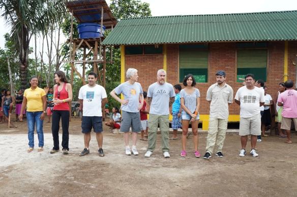 Representantes de instituições parceiras do Projeto Pimenta Baniwa durante a inauguração . Foto: SETCOM/FOIRN