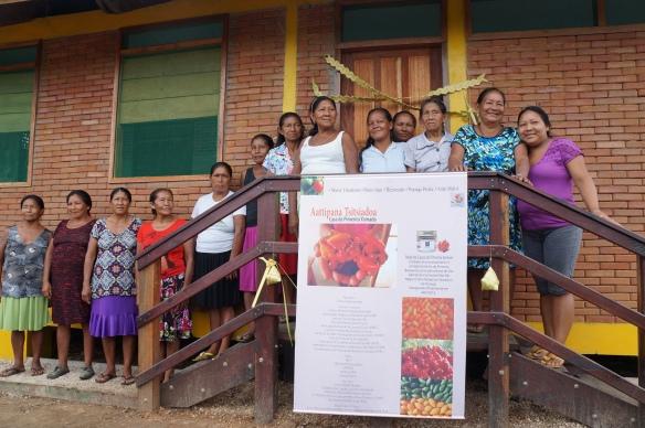 Mulheres durante a cerimônia de inauguração da Casa da Pimenta Yamado (Titsiadoa). Foto: SETCOM/FOIRN